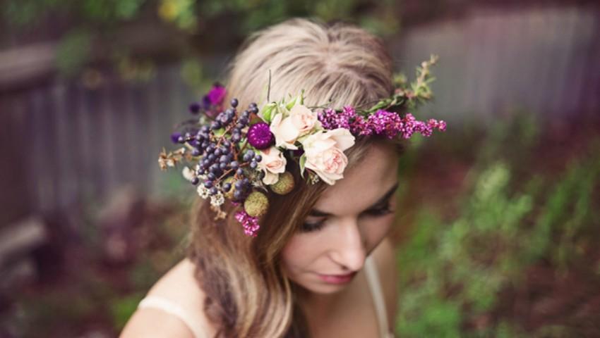 Foto: Cele mai frumoase coafuri de mireasă cu fructe și flori naturale pentru vară