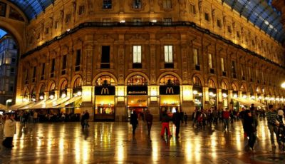 O moldoveancă a încercat să fure parfurmuri dintr-un mall din Italia și a mușcat brațul unui vânzător