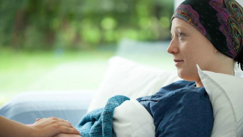 Foto: Impresionant! Cum a reacționat o tânără care a aflat că are cancer, imdediat după nuntă