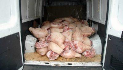 Poliţia Capitalei a depistat carne de porc cu termenul expirat