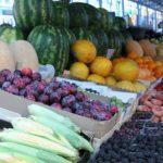 Foto: Care sunt prețurile la fructe și legume în diferite piețe din Chișinău?