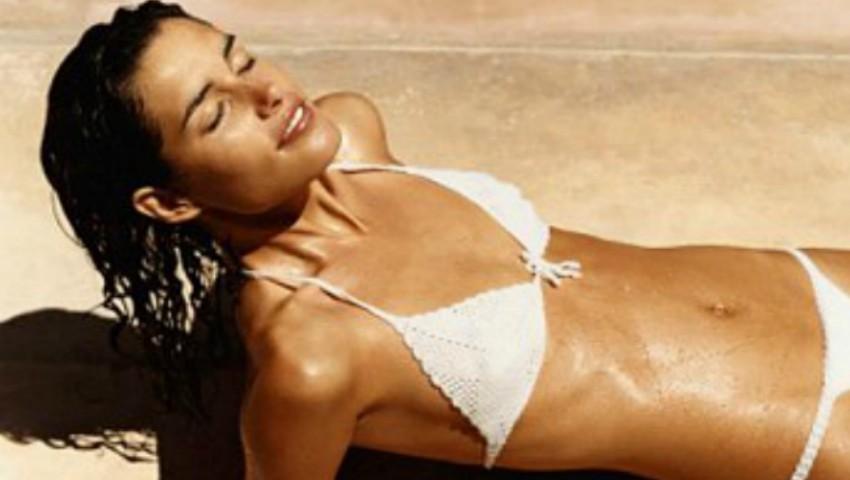 Produsele care îți protejează pielea atunci când mergi la plajă și te ajută să obții un bronz perfect și rezistent!