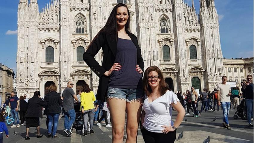 Foto: Ea este tânăra cu cele mai lungi picioare din lume!