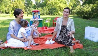 Despre maternitate altfel: Cum își cresc copiii Angela Iurcu și Rodica Chiriac
