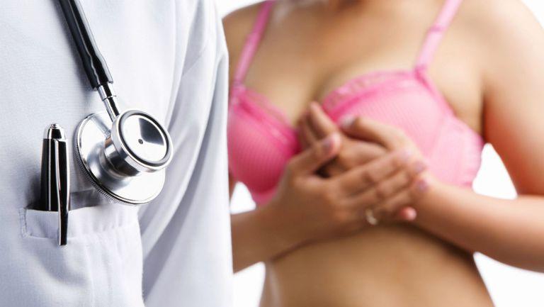 O-mămică-diagnosticată-cu-cancer-la-sân-acum-câteva-zile-a-postat-o-poză-pe-care-trebuie-s-o-vadă-orice-femeie