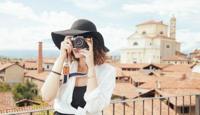 10 secrete pentru a călători cu bani puțini