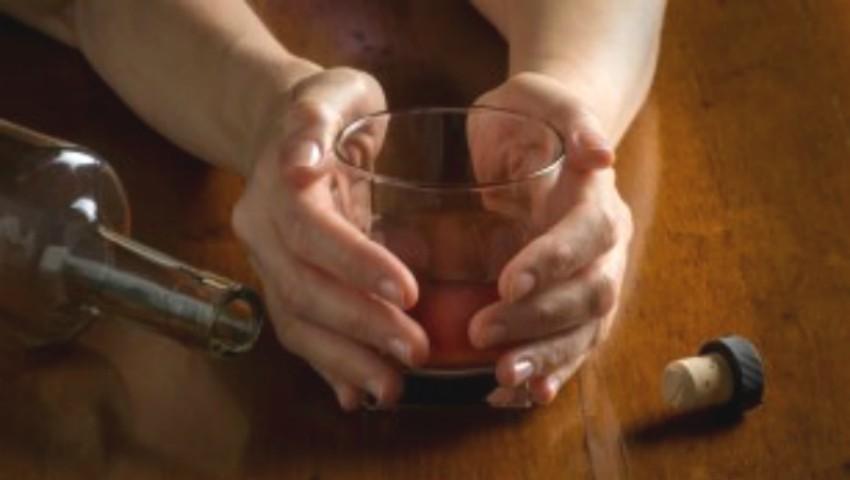 Foto: Date alarmante. Numărul moldovencelor care fac abuz de alcool este în creștere