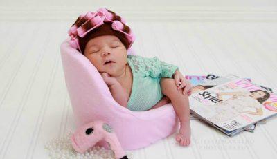 O poză cu un bebeluș de 8 zile a devenit virală pe internet!