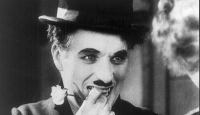 """Discursul lui Charlie Chaplin, la împlinirea vârstei de 70 de ani: """"În ziua în care m-am iubit cu adevărat"""""""