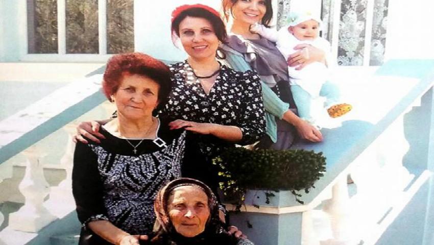 Foto: O imagine cât o mie: 5 generații de femei în aceeași poză!
