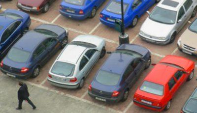 Gestul unui moldovean, după ce a lovit accidental o mașină parcată, a trezit admirația internauților!