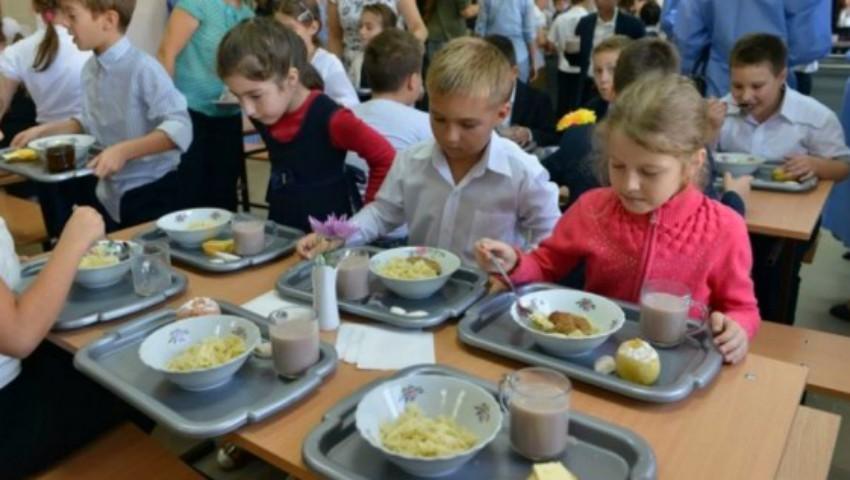 Foto: Un nou meniu în școlile și grădinițele din țară, începând cu 1 septembrie! Iată ce vor consuma copiii