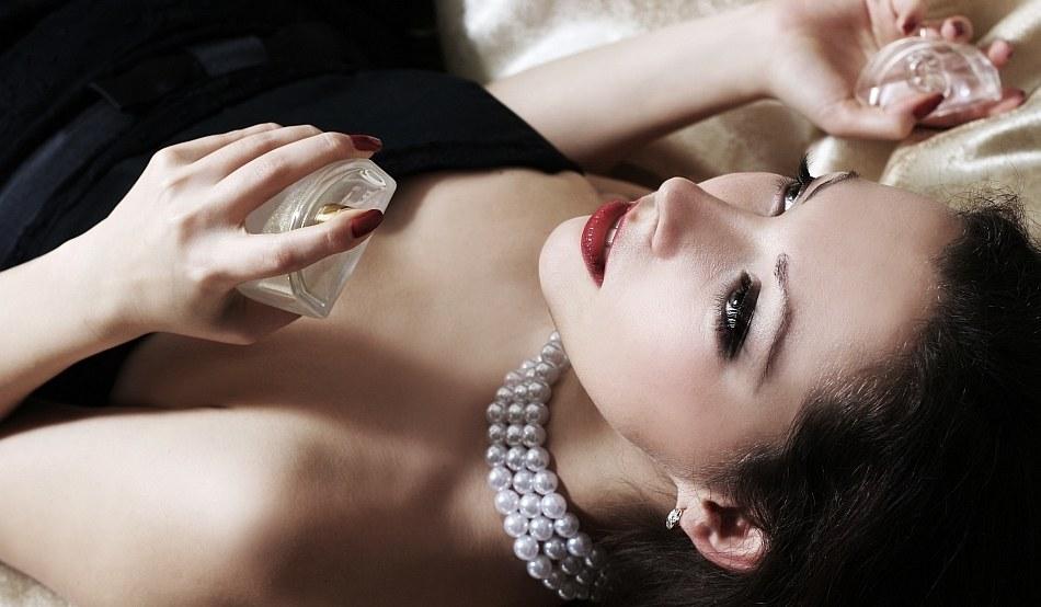 femeie-parfum