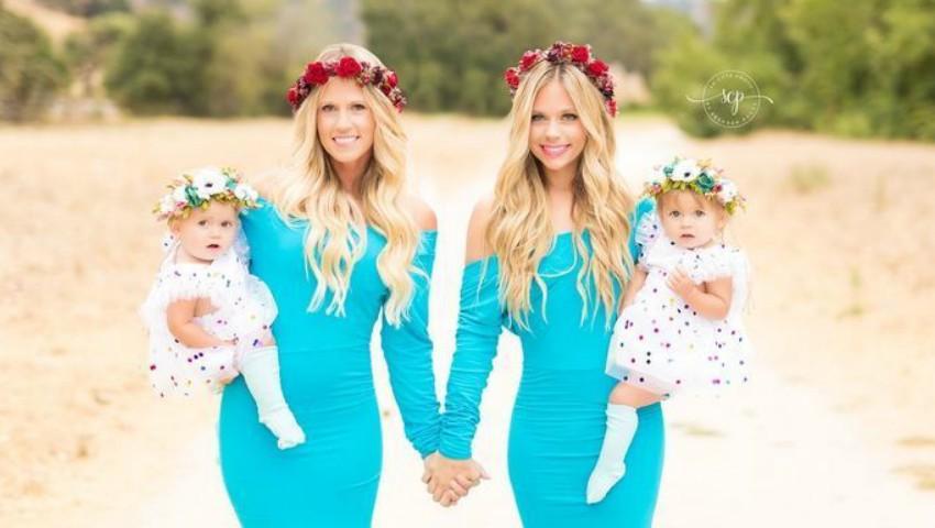 Foto: O poză cu două surori gemene și fetițele lor, născute în aceeași zi, a cucerit internauții!