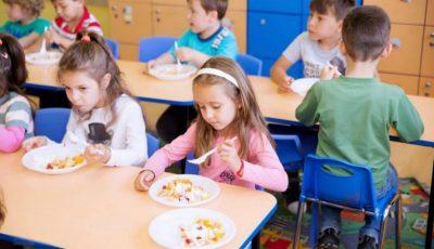 Meniurile din grădinițe au fost făcute publice. Iată unde poți vedea ce mănâncă copilul tău