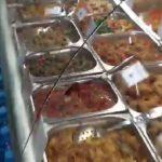 Foto: Atenție! S-au intoxicat după ce au mâncat salată, cumpărată dintr-un magazin din Capitală
