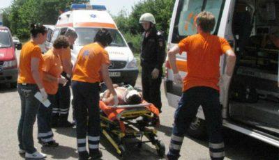 Accident grav în țară. Trei persoane au avut de suferit