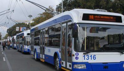 Se scumpește călătoria cu troleibuzul și autobuzul. Cât va costa un bilet?