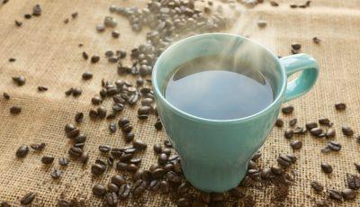 Motivul pentru care poți să adaugi sare în cafea în loc de zahăr. Știai asta?
