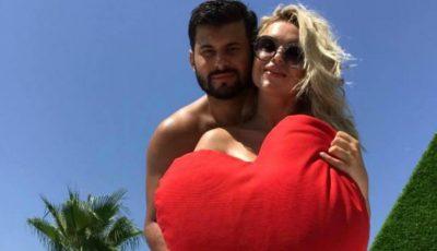 Daniela Burlac alături de iubitului ei, într-o vacanță de vis în Turcia