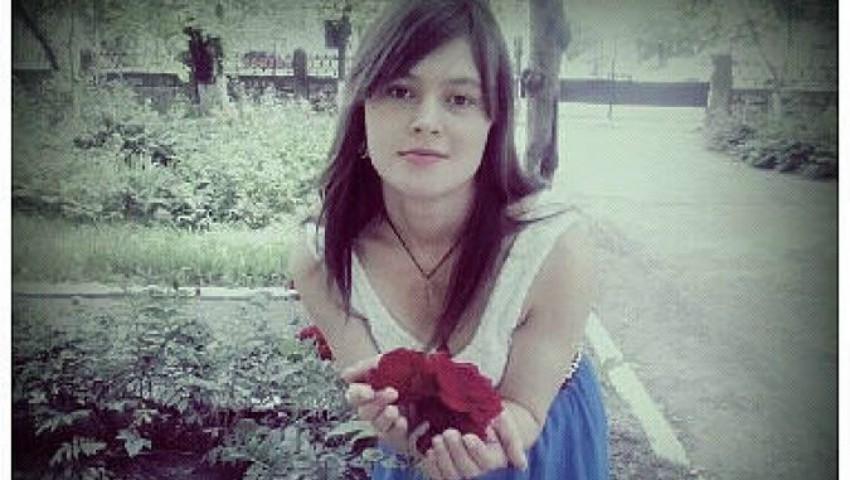 Foto: Să o ajutăm pe Elena! Ea are nevoie urgentă de o intervenție chirurgicală, altfel riscă să își piardă picioarele