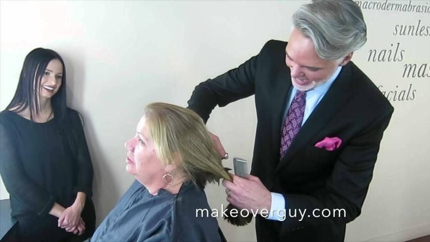 Foto: Video. Schimbarea de look pe care i-a făcut-o hair-stilistul acestei femei, depășește orice imaginație!