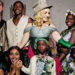 Foto: Madonna mai fericită ca niciodată, alături de cei șase copii