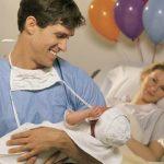 Foto: Este bine ca tatăl să asiste la naștere? Află părerea unui psiholog