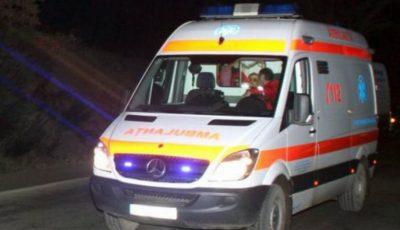 O moldoveancă a ajuns de urgență la spital, după ce a fost înțepată de o albină