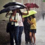 Foto: Pregătim umbrelele! În acest weekend va ploua