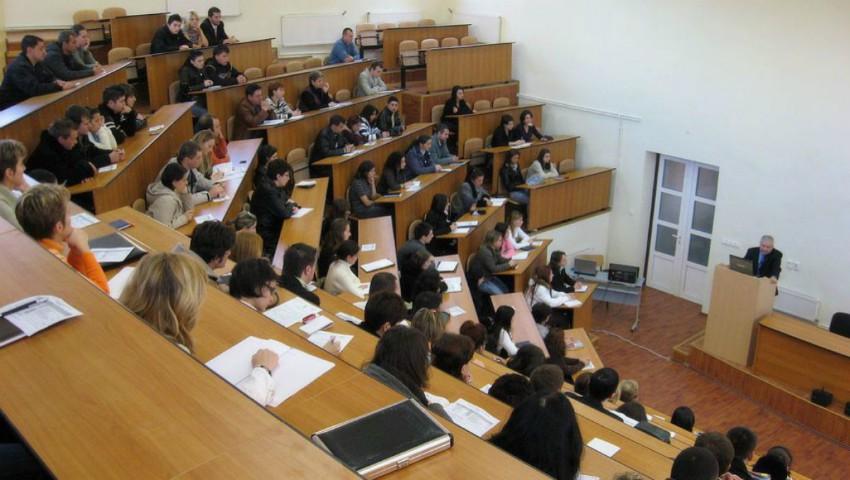Foto: Universitățile din Moldova rămân fără studenți. Care este motivul?