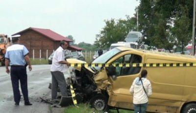 Accident grav, produs în România. Un moldovean a ajuns în comă la spital, iar soția sa însărcinată a fost rănită
