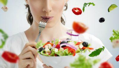 Reguli de combinare a alimentelor: fructele și legumele NU se amestecă