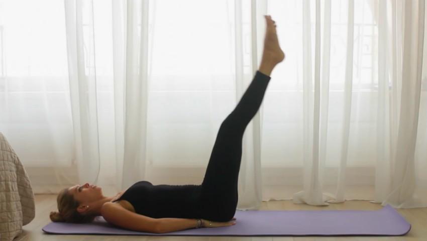 Foto: Video! 5 exerciții pentru abdomen plat și tonifiat, pe care Vera Brejneva le face în fiecare zi!