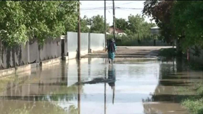 Foto: Cumplit! O femeie de 55 de ani din Cimișlia a murit electrocutată după o ploaie torențială. Cum s-a întâmplat totul?