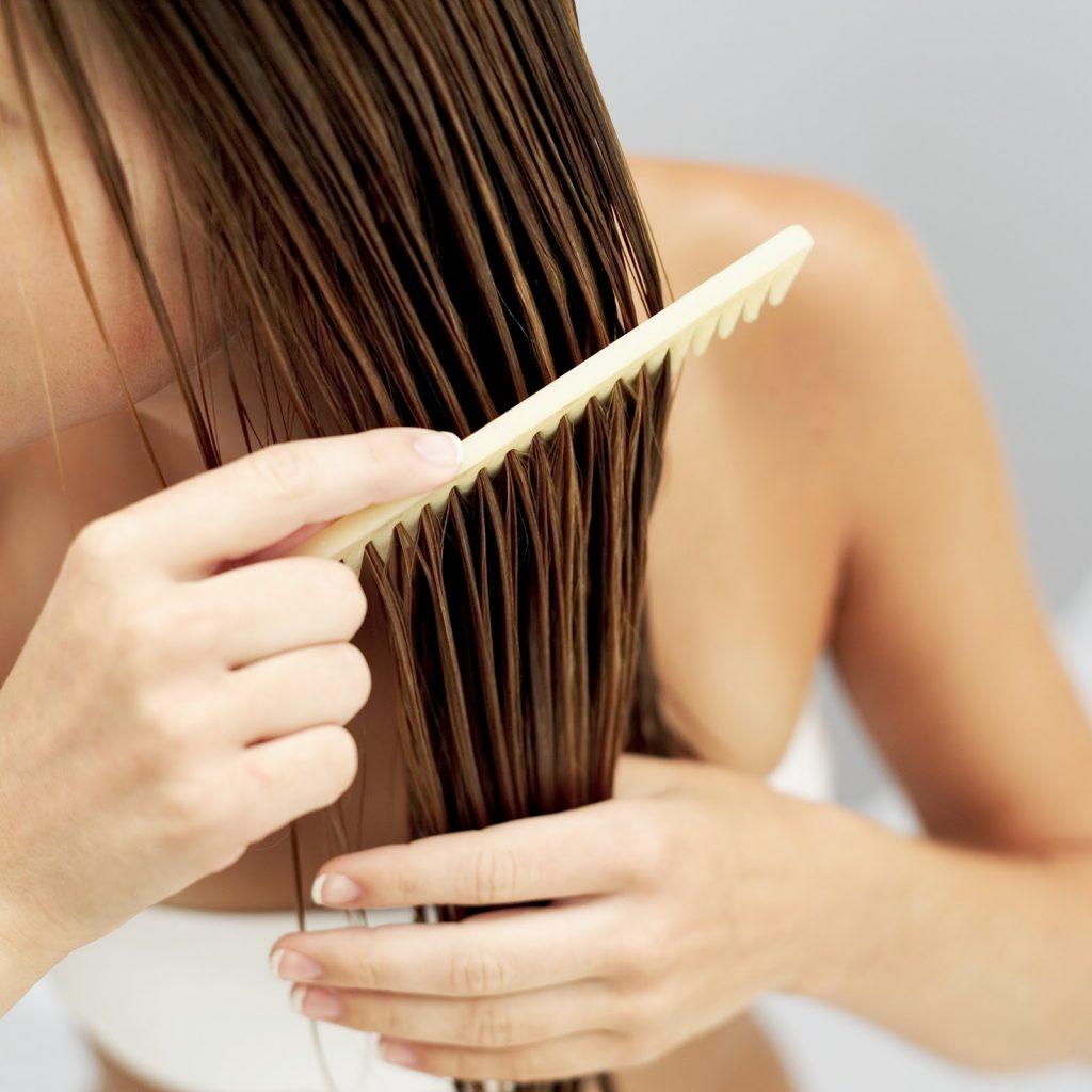 zaštita kose tokom ljeta, sretna žena