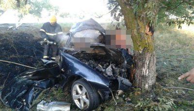 Accident grav la Ștefan Vodă: trei oameni au ars într-o mașină care a luat foc