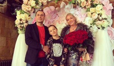 Fiica Anastasiei Volochkova a împlinit 12 ani. Fosta balerină i-a organizat o petrecere de poveste fetiței sale