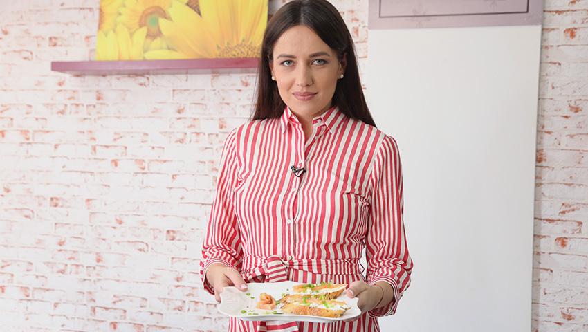 Foto: Elena Băncilă mănâncă ce poftește, dar mai ales, bruschete cu somon