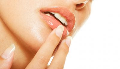 Remediul eficient împotriva buzelor uscate și crăpate!
