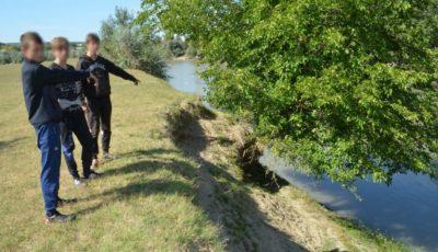 Trei minori au trecut înot râul Prut pentru a ajunge în țara vecină
