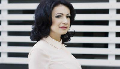 """Jurnalista Elena Robu, despre plecarea ei din țară: """"Toamna aceasta îmi aduce multe schimbări!"""""""