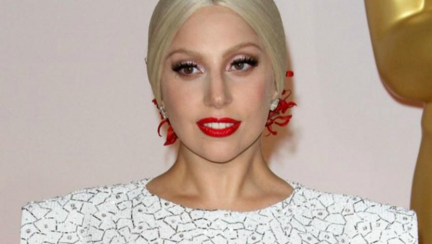Foto: Lady Gaga a dezvăluit că suferă de o boală incurabilă