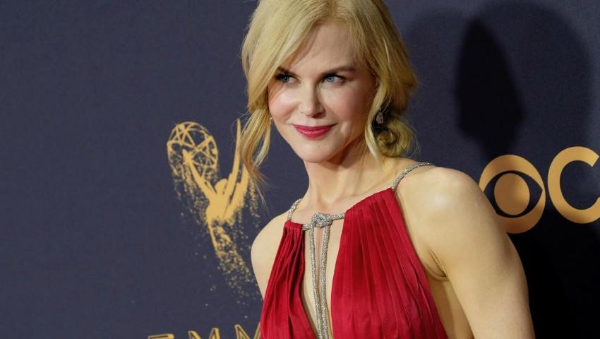 Foto: Gala Premiilor Emmy 2017! Cine sunt câștigătorii dar și ce ținute au purtat vedetele pe covorul roșu