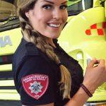 Foto: Ea este cea mai frumoasă femeie pompier din lume!