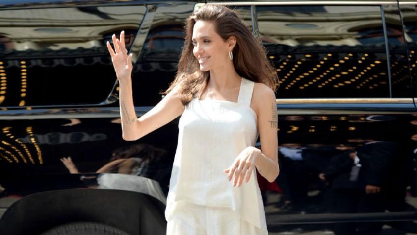 Foto: Angelina Jolie și-a făcut apariția la Festivalul de Film de la Toronto! Actrița a fost însoțită de cei șase copii ai săi