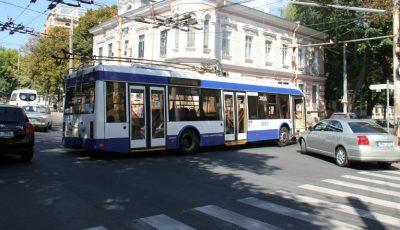 Anunț pentru călători! În acest weekend, traseul de circulație a transportului public din Capitală va fi modificat