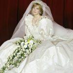Foto: 10 detalii mai puțin cunoscute despre rochia de mireasă iconică a Prințesei Diana