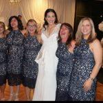 Foto: Șase femei au apărut la o nuntă îmbrăcate la fel. Ce a urmat?