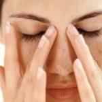 Foto: Presopunctura elimină durerea de cap fără medicamente. Iată ce puncte să masezi